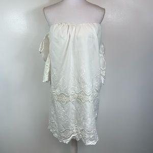 NEW ASTR White Lace Cold Shoulder Dress Medium